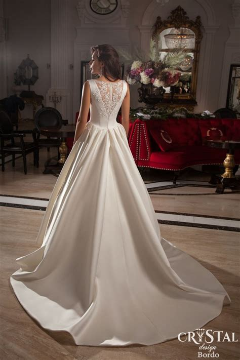 unbelievable wedding dresses designs   leave