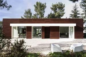 Una Casa Di Campagna Ai Piedi Di Castel Del Monte  Ristrutturata Seguendo I Dettami Della Natura