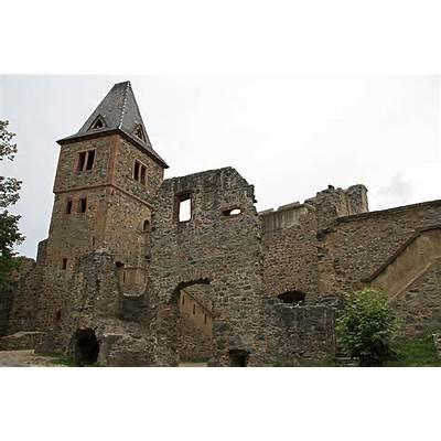 Finestkind Clinic and fish market: Frankenstein's castle
