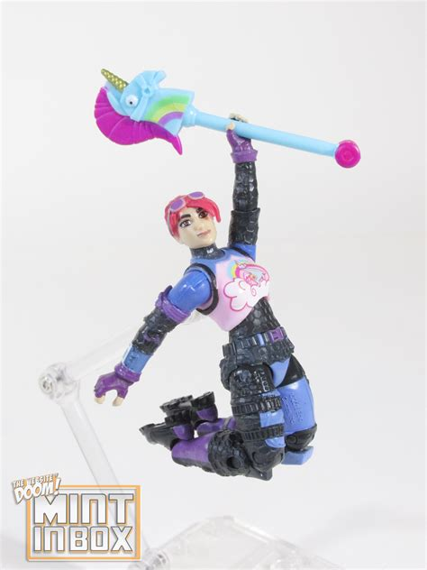 mint  box jazwares fortnite squad mode  figure pack