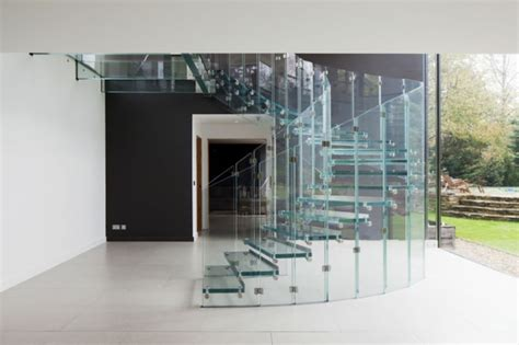 treppen glas stilvolle treppen und treppenhäuser aus glas siller