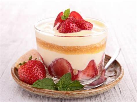 tiramisu aux fraises recette de tiramisu aux fraises marmiton