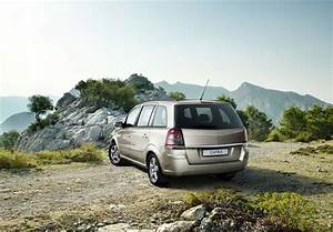 Chevrolet Zafira  B  2008 Wallpapers