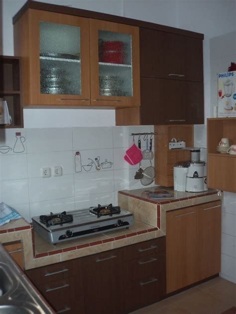 desain dapur kotor sederhana minimalis interior mungil