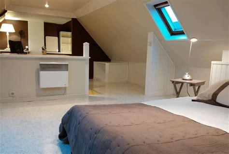 chambre mansard馥 peinture awesome peindre une chambre mansardee photos amazing house design getfitamerica us