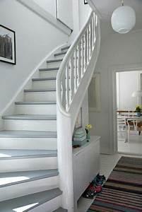 Treppen Streichen Ideen : farbgestaltung flur treppenhaus ~ Orissabook.com Haus und Dekorationen