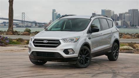 ford escape review ford shrinks escapes engine