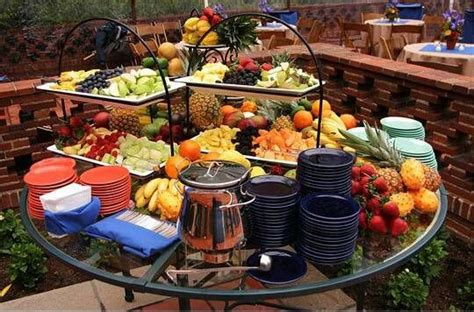 A Great Way To Set Up A Backyard Buffet For An Informal