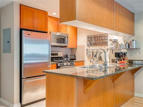 meridian condo  seattle wa  kitchen utilizes