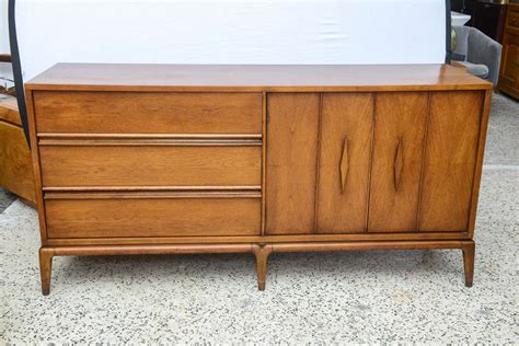 Beautiful Mcm Lane Buffet Or Credenza, Usa 1960s At 1stdibs