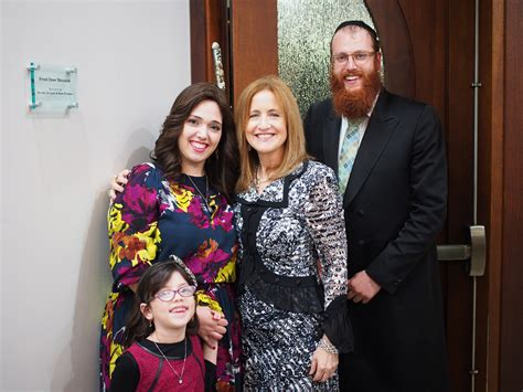 kings point resident honored chabad jewish center gala awards