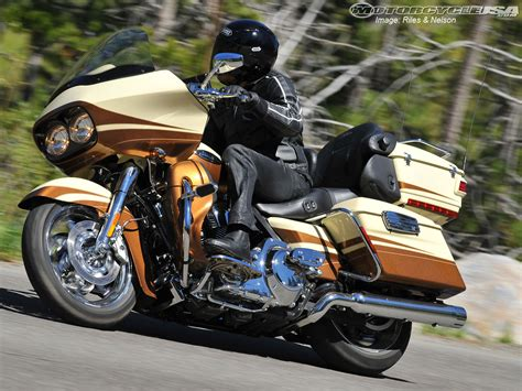 Davidson Road Glide Ultra Image by 2011 Harley Davidson Road Glide Ultra Pics Specs And