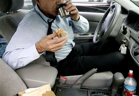 meals while cing eating while driving causes 80 of all car accidents study shows ny daily news