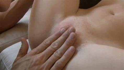 Fuzzy Nymph Massages Mounds le clitoris