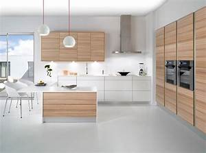 idees cuisine traditionnelle moderne With idee deco cuisine avec cuisine bois