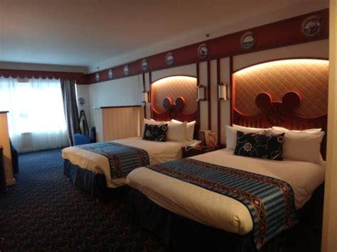chambre d hotel disneyland chambre familiale compass picture of disney 39 s