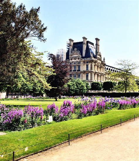 jardin des tuileries  paris  conversation