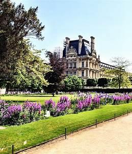 See Jardin des Tuileries in Paris a conversation