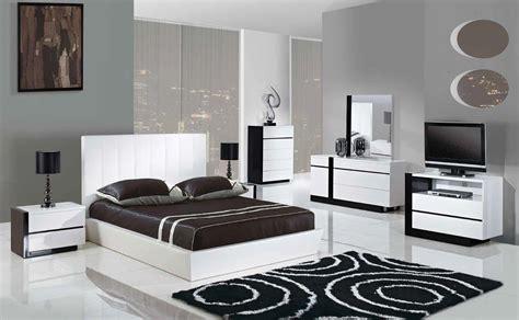 trinity pcs queen size modern platform bedroom set