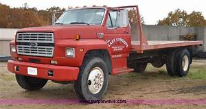 1988 Ford F700 Flatbed Truck