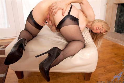 Anilos Nina Hartley Erotic Picture Nude Gallery