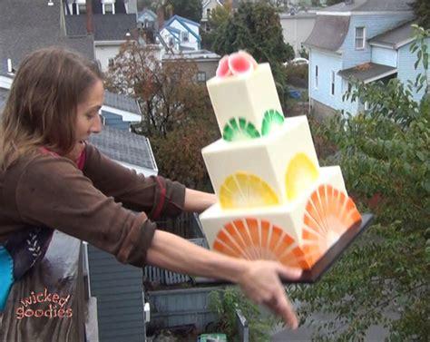 cake drop