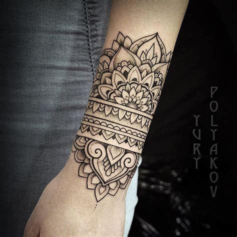 tattoo inspiration tatuajes tatuaje brazalete mujer