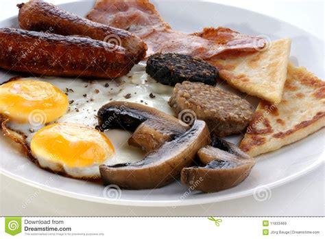 chambre des m騁iers b騷iers iers ontbijt op een grote plaat stock afbeelding