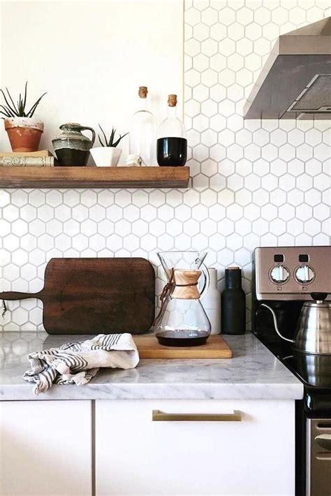 photos of kitchen backsplashes 25 best ideas about subway tiles on subway 4163