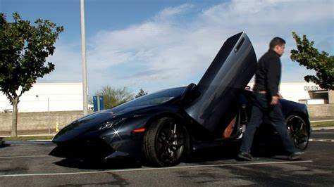 Modifikasi Lamborghini Huracan by Modifikasi Pintu Vertikal Pada Lamborghini Huracan