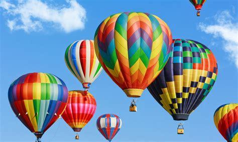 heissluftballon beim junggesellinnenabschied