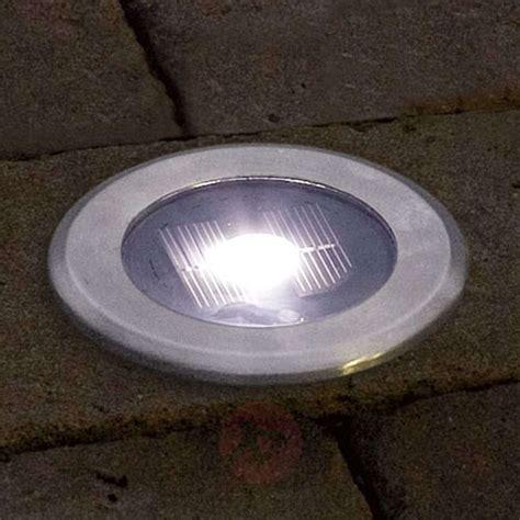 led spot le spot encastrable dans le sol solar light led 5522405