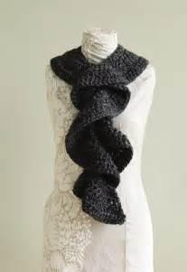 Free Crochet Ruffle Scarves Patterns