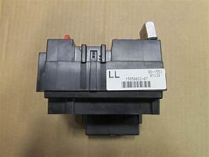 03 04 05 06 Chevrolet Silverado Fuse Box W  Flasher Relay