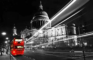 london-bus-black-and-white-photography-with-color-08_2 ...