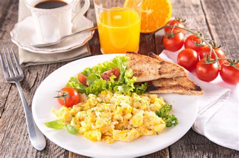 Stop Snacking And Eat A Big Breakfast If You Want To Lose