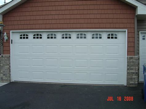 picture 16 x 7 doorlink 511 standard raised panel with