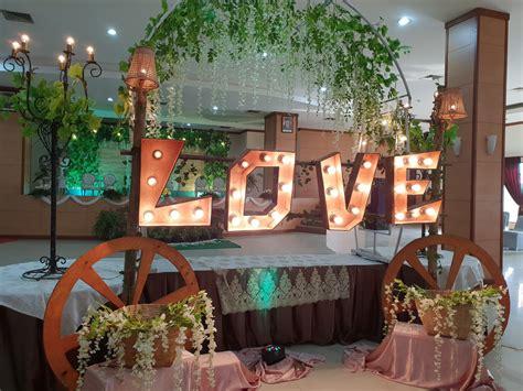 Syifarah wedding surabaya, memberikan jasa rias pengantin solo putri di pernikahan jawa belanda. GEDUNG PERNIKAHAN DI SURABAYA