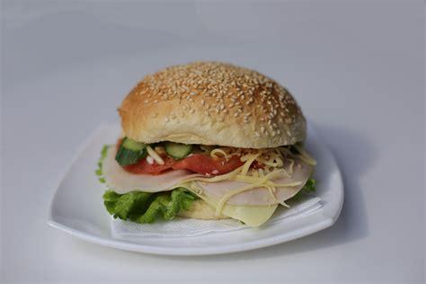 Hamburger me proshutë pule - SOMEG