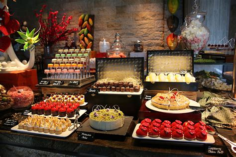Sunday Champagne Brunch Buffet At Edge Pan Pacific