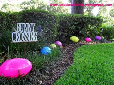 Easter Egg Garden Decoration by 29 Cool Diy Outdoor Easter Decorating Ideas