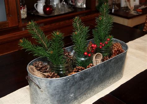 Christmas Table Centerpiece Inspirations