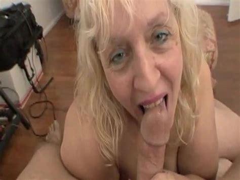 Women Sucking Cock Pics