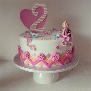 birthday cake girl - Cake by Loutjes Taarten - CakesDecor