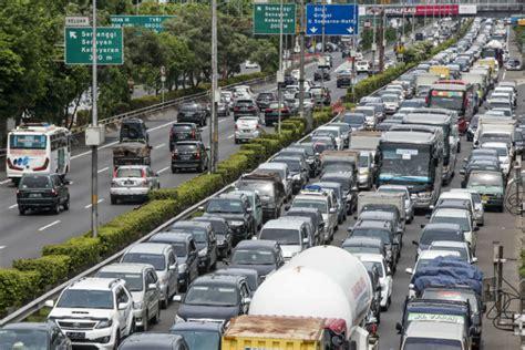 jasa marga  halt jakarta cikampek toll construction