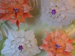 Blumen Aus Geld Basteln : geldgeschenk idee hochzeit rose aus geld basteln my crafts and diy projects ~ Bigdaddyawards.com Haus und Dekorationen