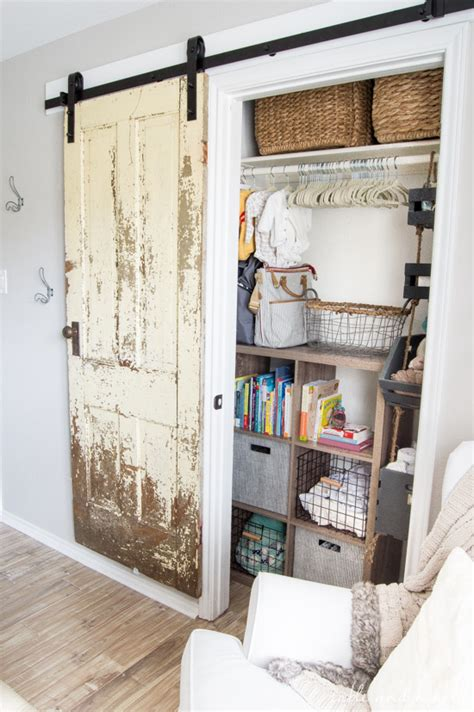 how to install a vintage farmhouse barn door table and