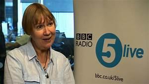 Charlotte Green makes BBC football results debut - BBC News