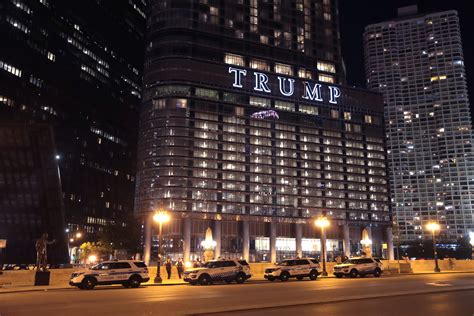 Chicago Police Guard Trump Tower, Close Streets During ...