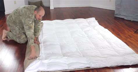 how does a duvet cover work easy way to put on duvet cover littlethings